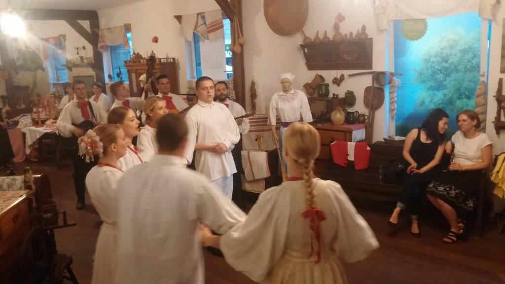 folklor - vrijedan sastojak za poticanje poslovnih evenata u Hrvatskoj